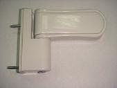 Петля для пластиковой двери