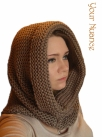 Коричневая шапка шарф