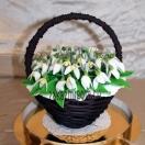 Шоколадные цветы в корзинке Подснежники
